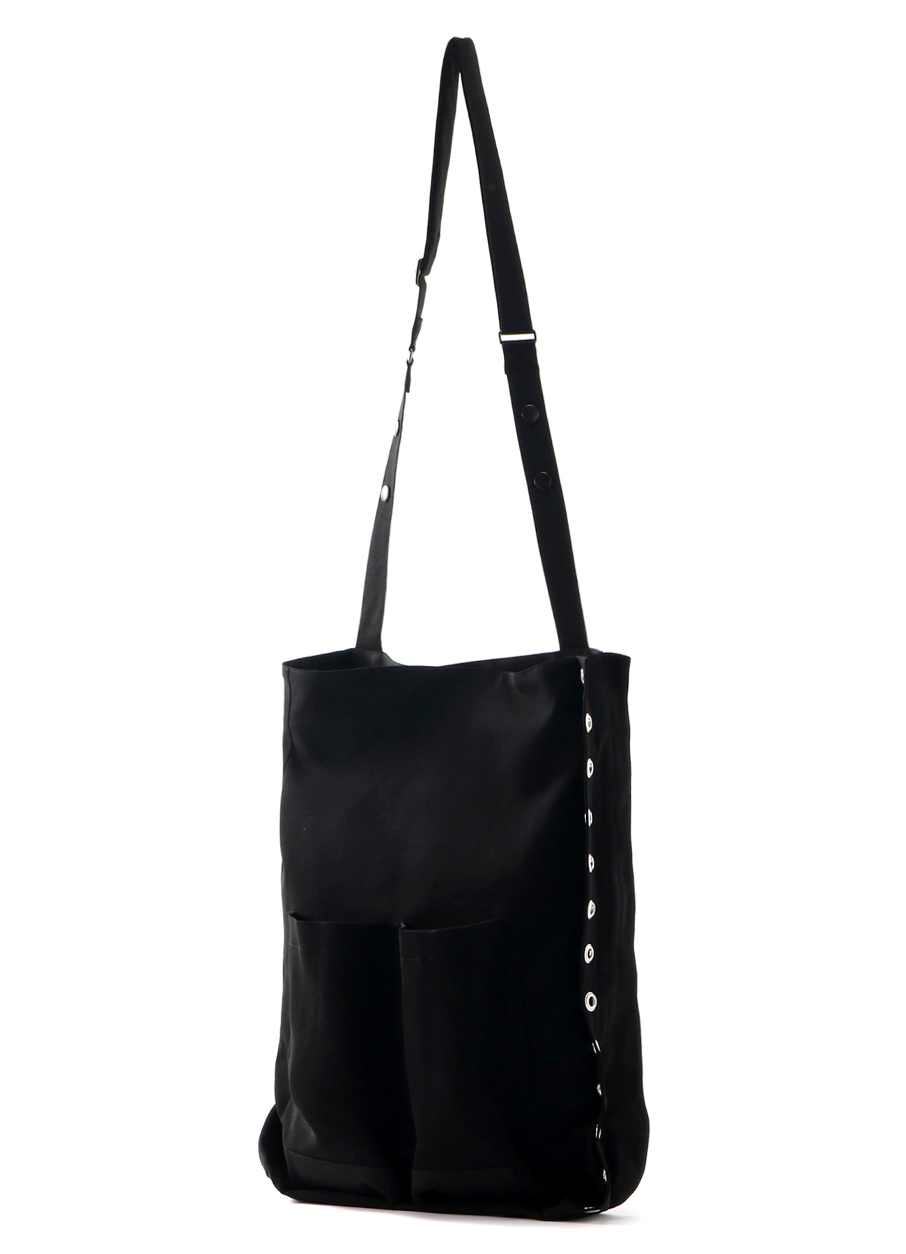 Side eyelet shoulder bag