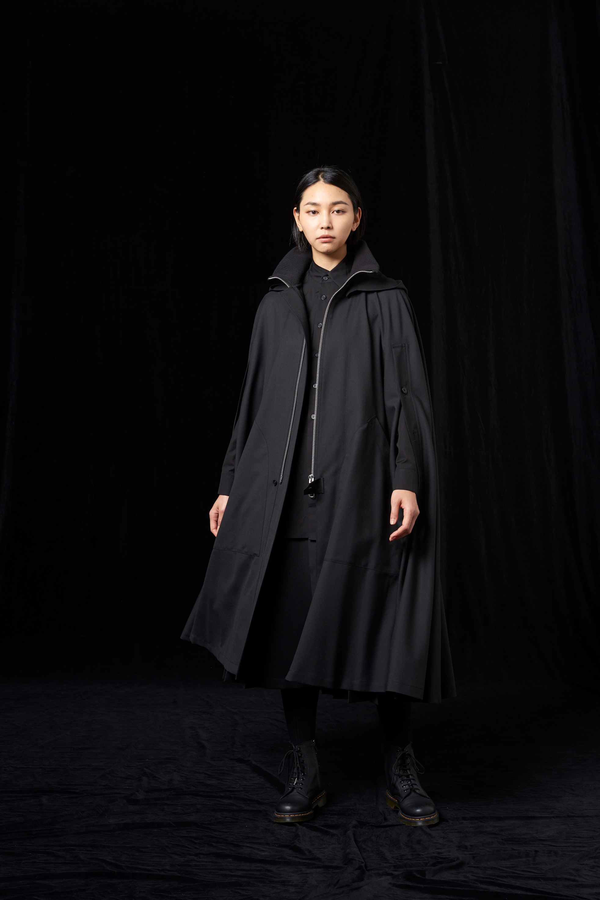 T/W Gabardine Shoulder Cape