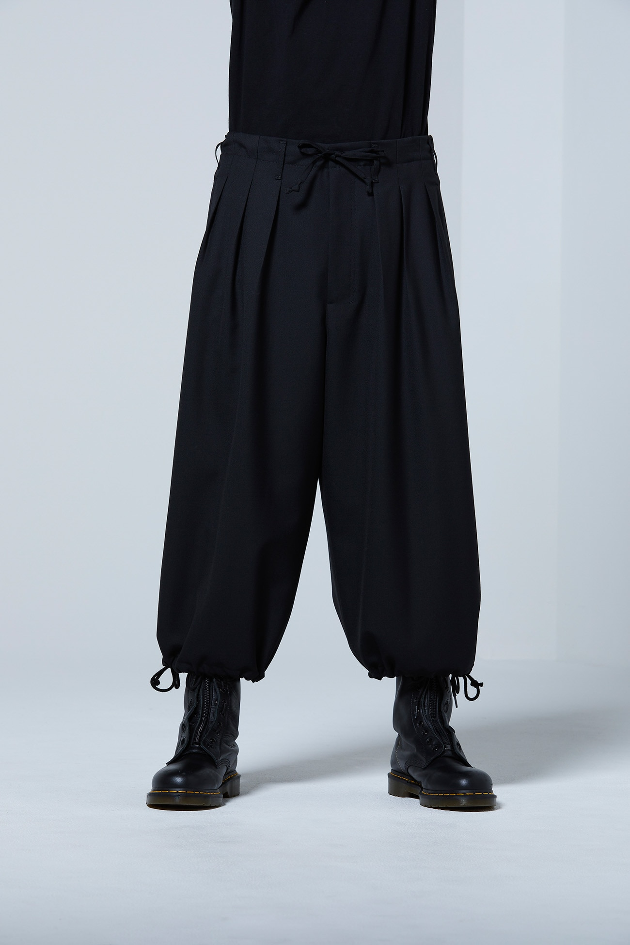 T / W_ gaberdine Balloon Pants
