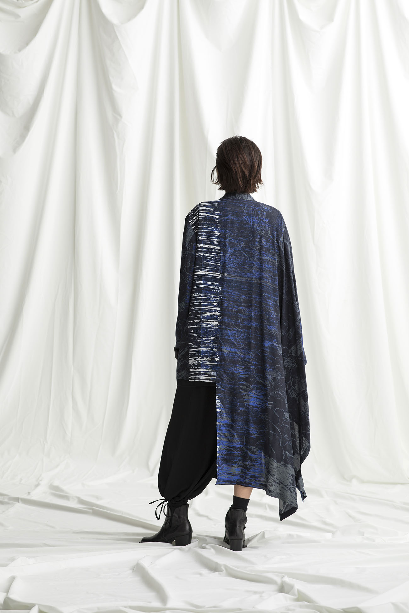 [Pissarro] Rayon Cape Docking Jacket