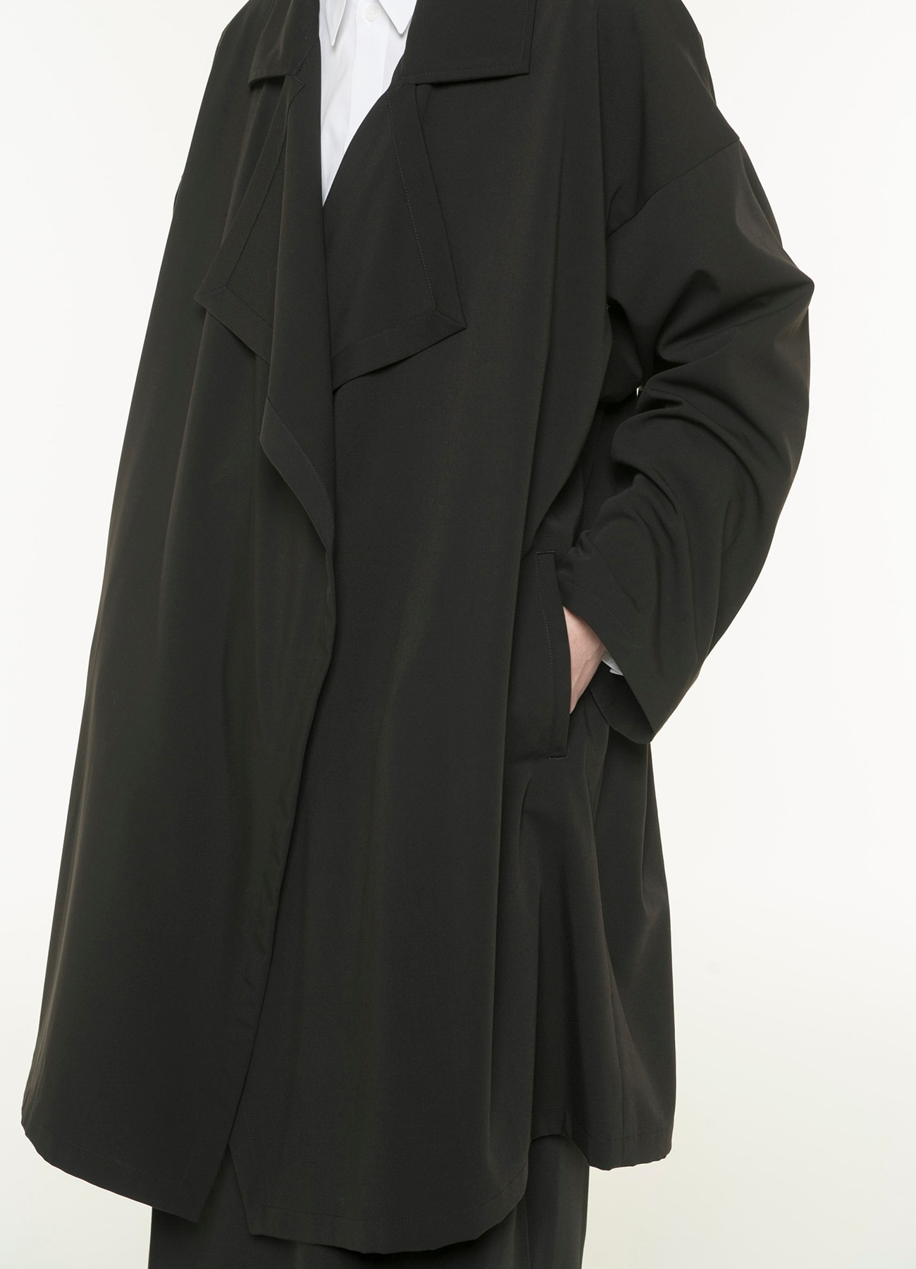 Pe / Rayon Gabardine Stretch Frame Double Collar Drape Coat