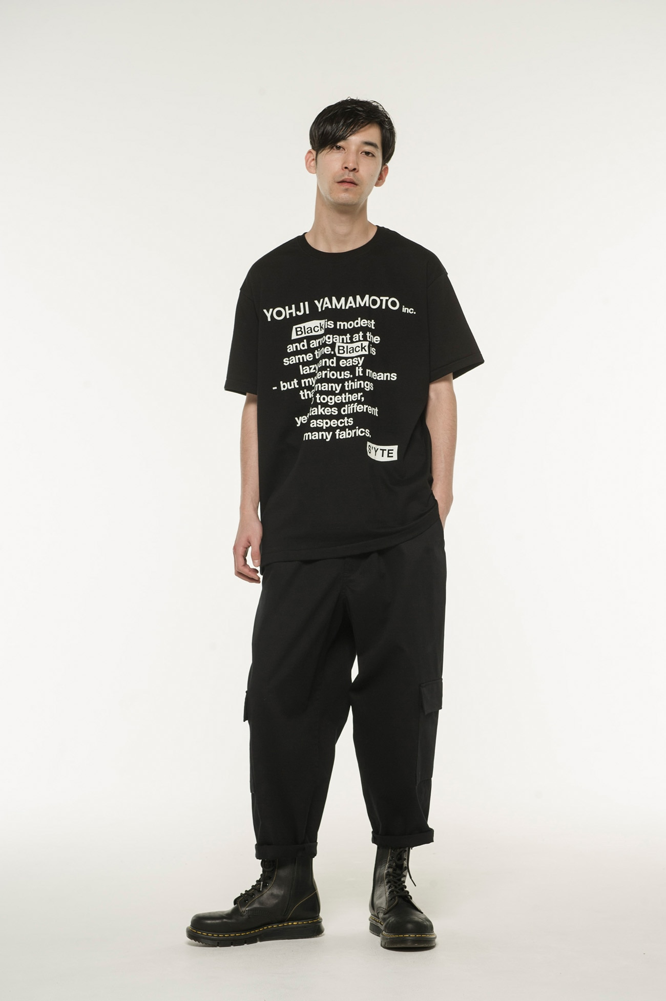 20 / CottonJersey `` Black Is Modest '' Message T-Shirt