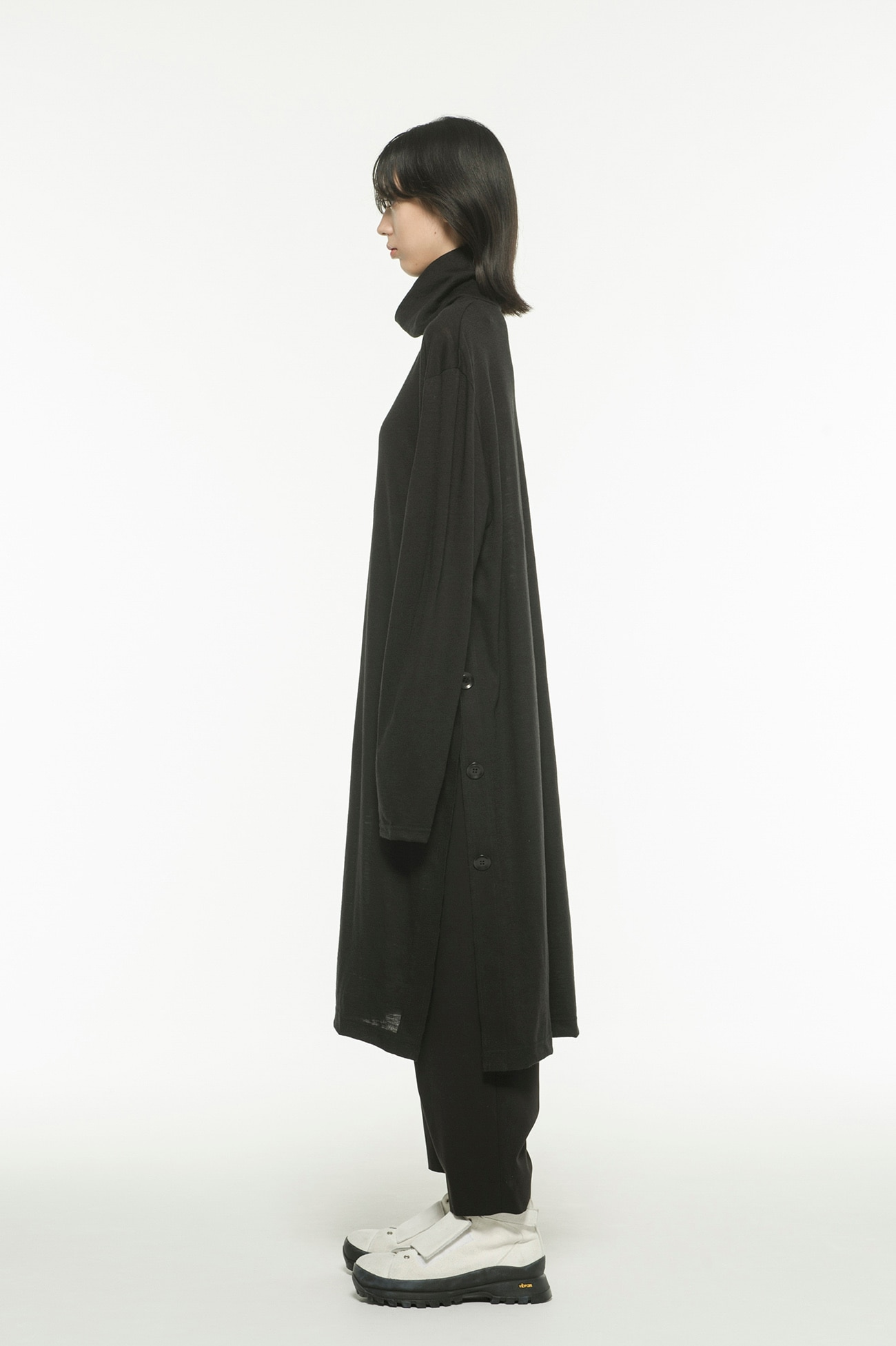 Wool Acrylic Jersey Slit Button Long Turtle