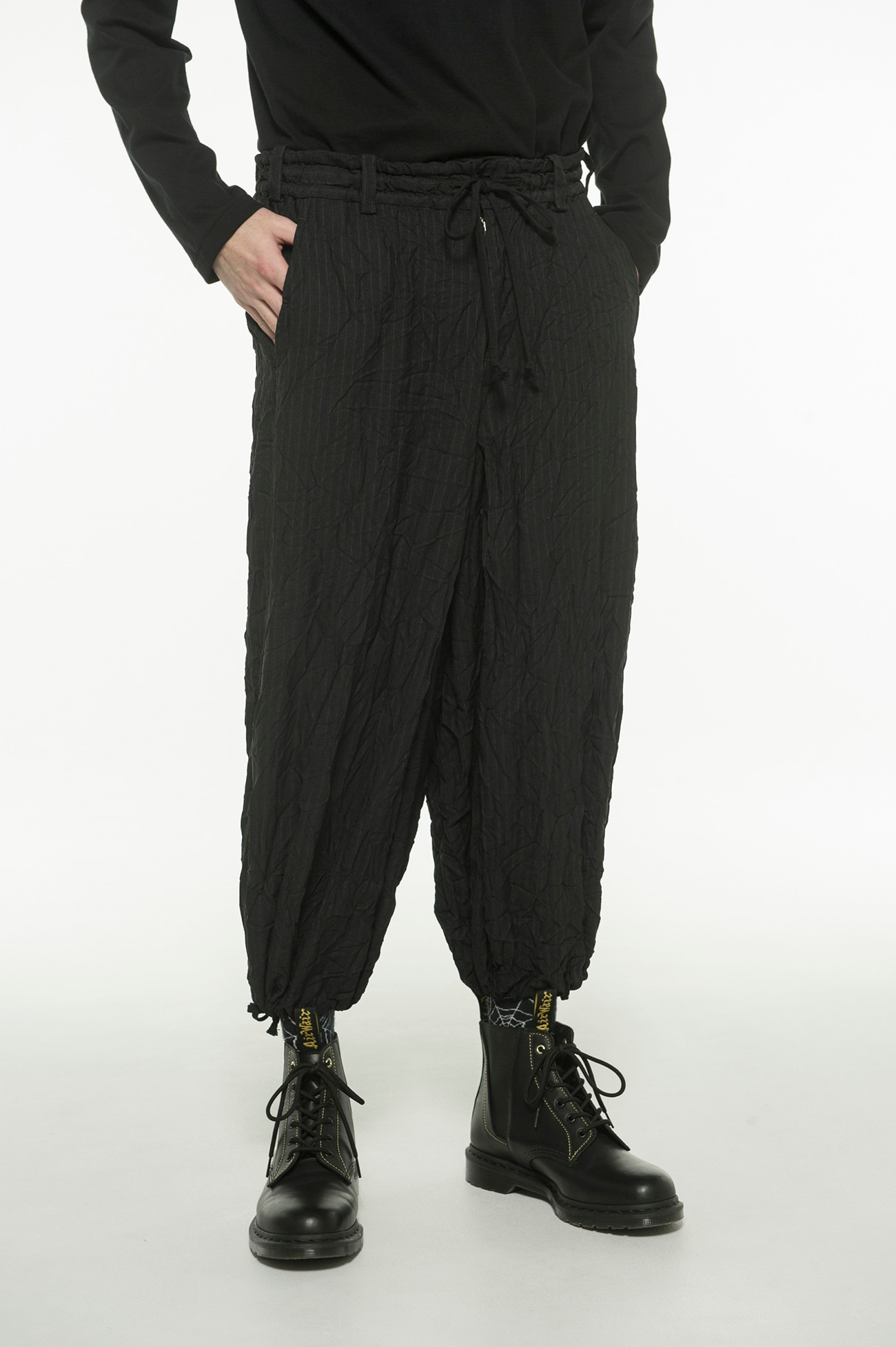 T / W Dobby Stripe Wrinkle Processing Balloon Hakama Pants