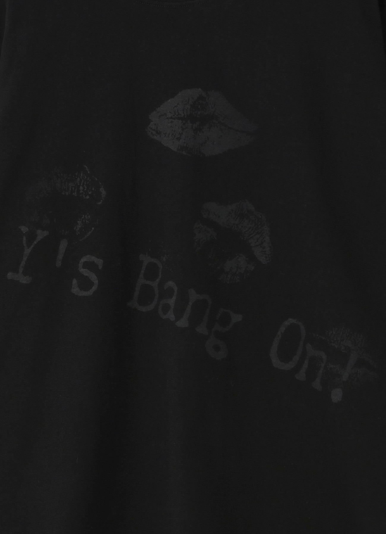 BANG ON! Lip Print T-shirt