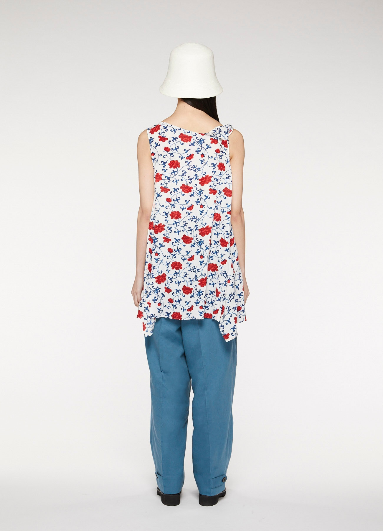 Ceramic pattern print asymmetric blouse
