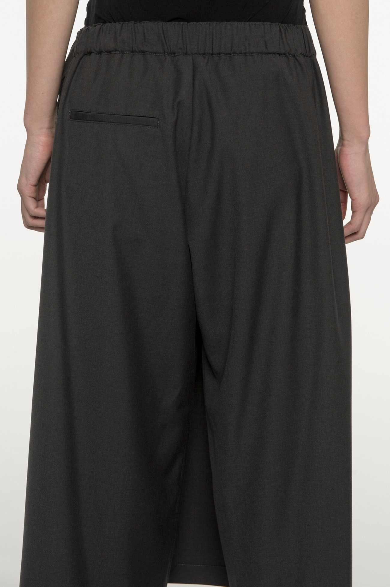 RISMATbyY's Polyester Rayon Clear Twill Pleated Wide Pants